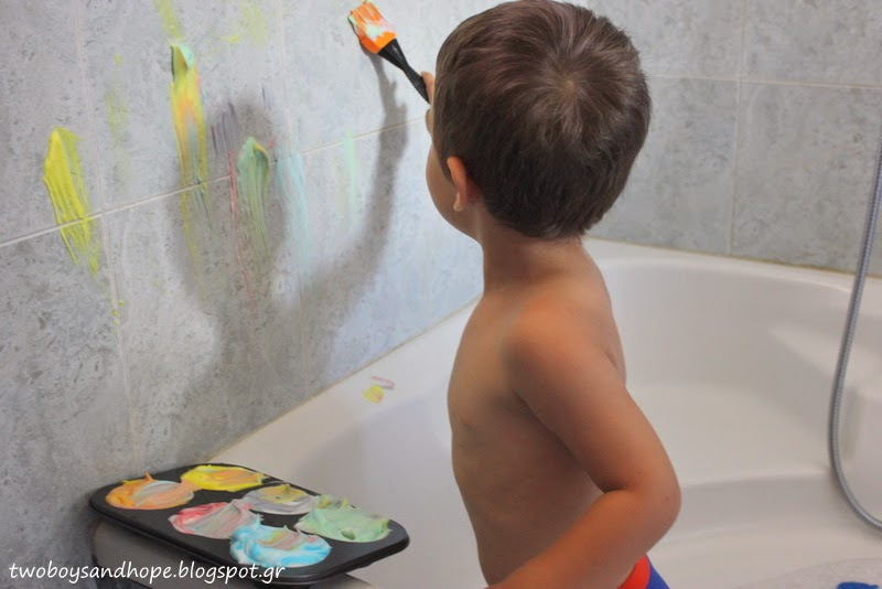 Ζωγραφίζουμε… με αφρό ξυρίσματος..