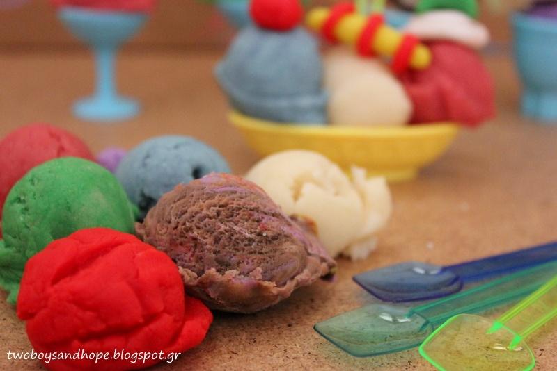 Σπιτική πλαστελίνη : φτιάχνουμε παγωτό