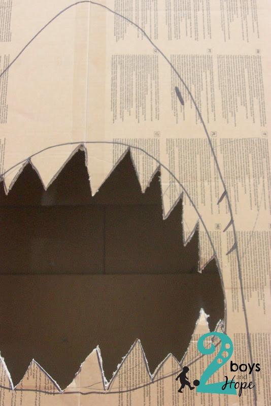 ταΐστε τον καρχαρία κατασκευή