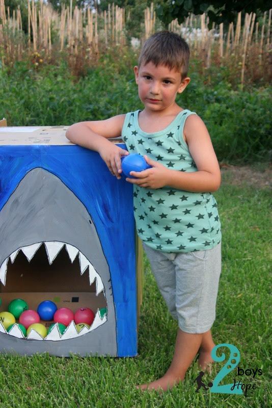 παίζουμε καρχαρία