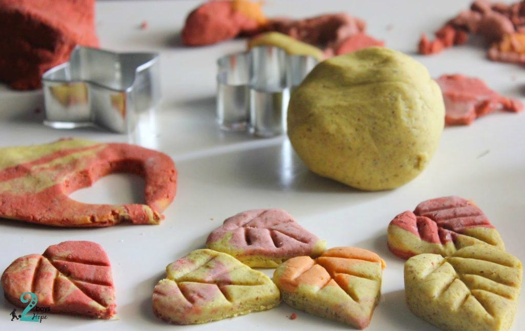 homemade_autumn_playdoh
