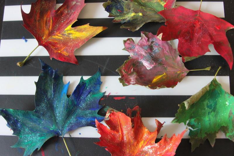 χρωματιστά φύλλα φθινόπωρο